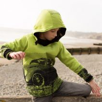 Kids reversible curved hoody