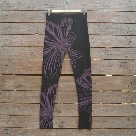 Printed leggings in black/plum