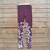 Printed leggings in plum/white