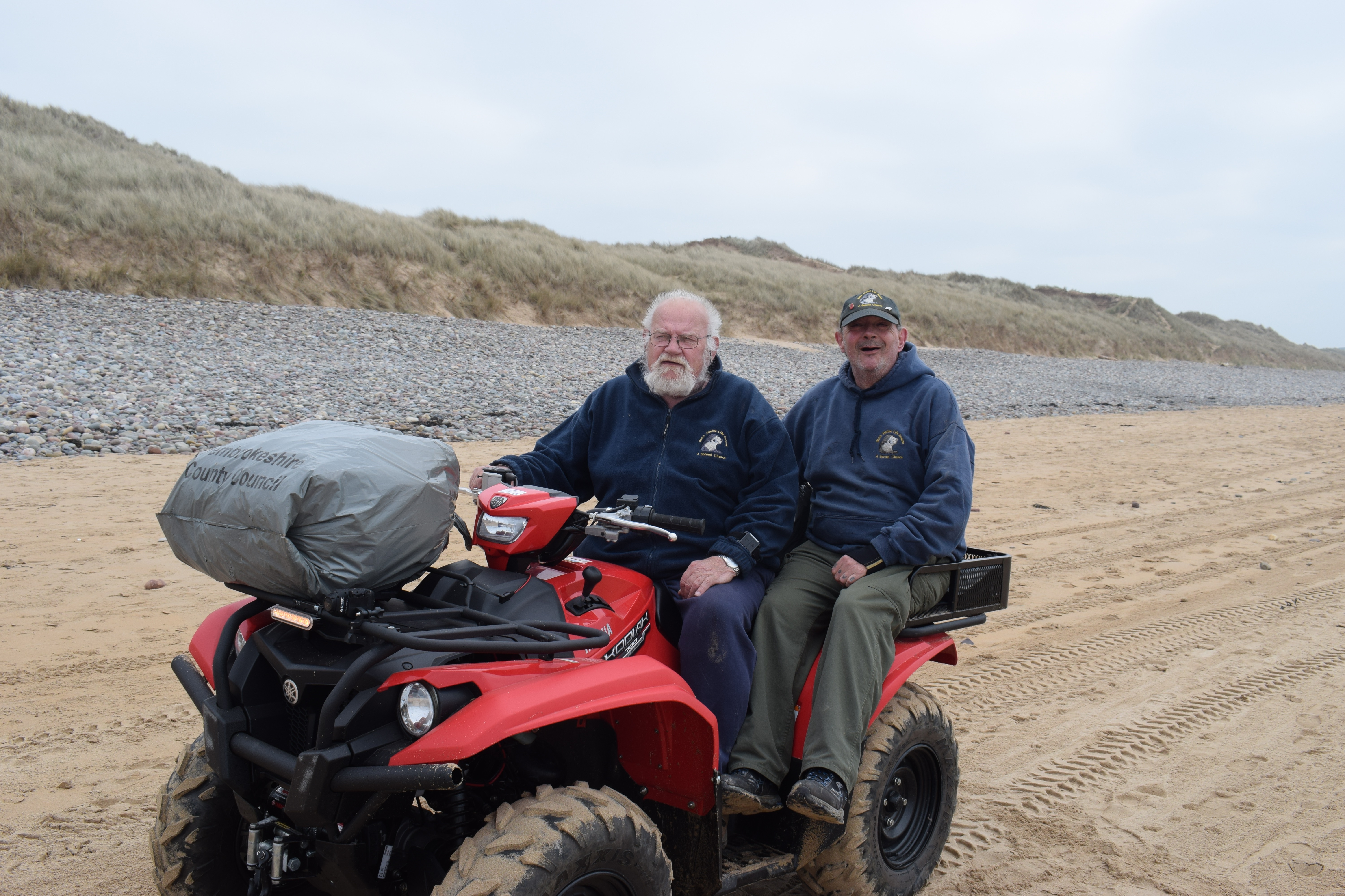 Terry and Jon from the Welsh Marine Wildlife rescue
